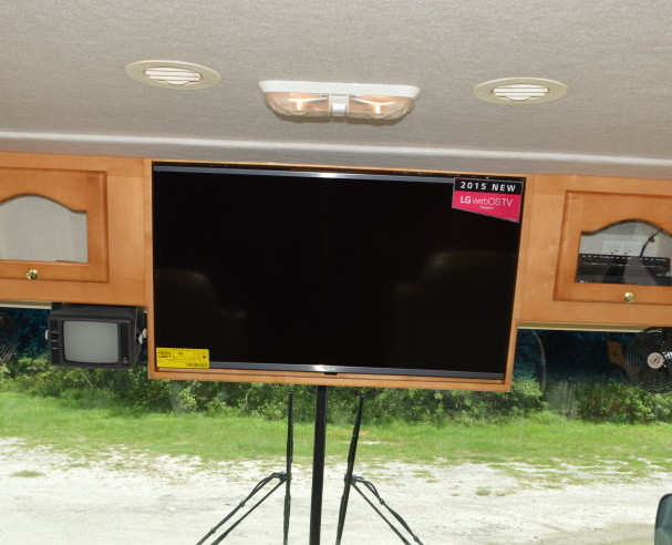 Front Tv Rv Renovations By Classic Coach Works