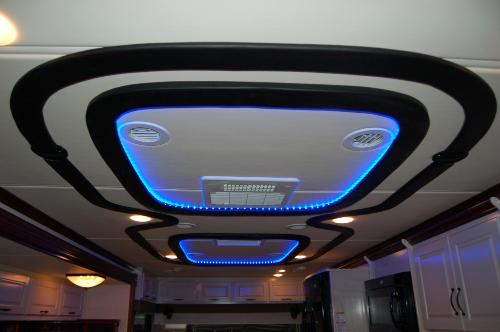 Attractive 2013 Sportscoach, Custom Ceiling, LED Lighting, RV Renovation