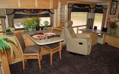 2004 Country Coach Intrigue